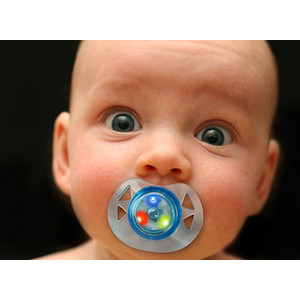 Df21_led_pacifier_kid